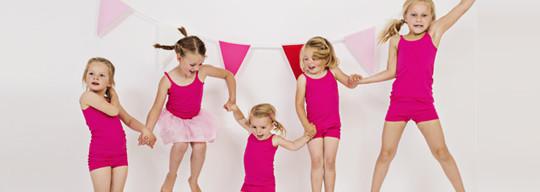 Kinderbasics kinderkleding en babykleding voor jongens en meisjes